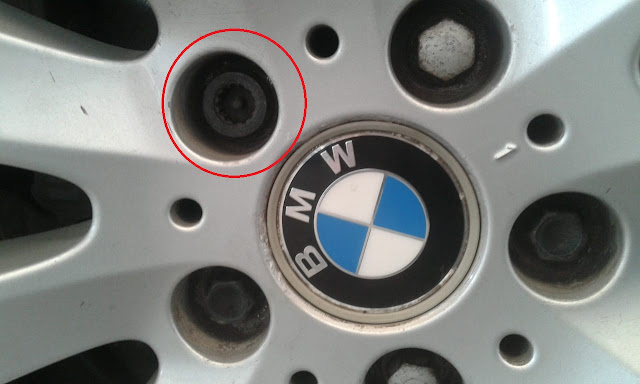 Safety Velg Mobil BMW ( Varian lama )