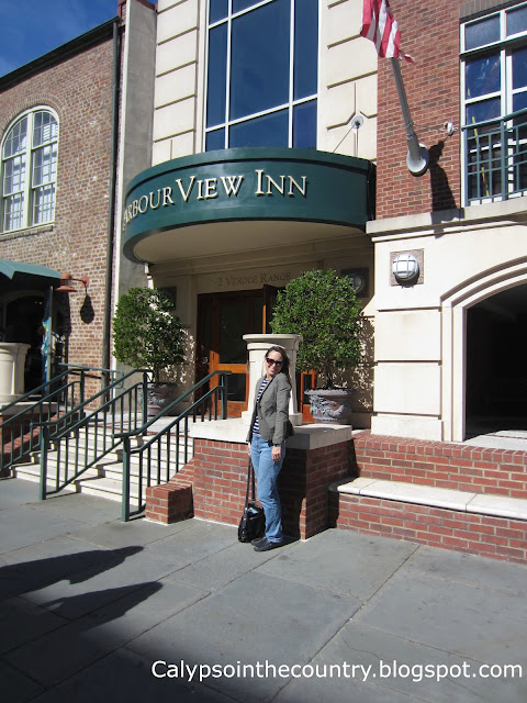 Harborview Inn Front Entrance