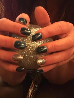 55 σχέδια για νύχια με glitter βράδυ Πρωτοχρονιάς
