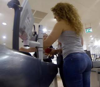 fotos mujeres hermosas jeans entallados