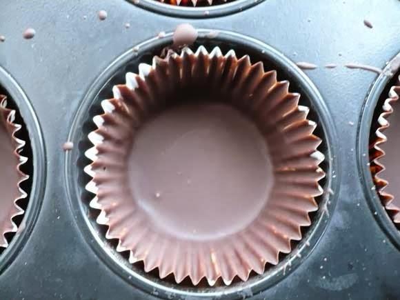 Chocolade bakje met kerstboom ijsje