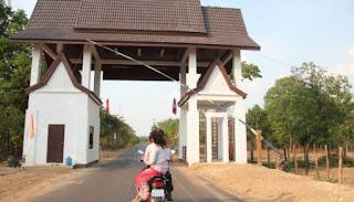 Lao Khmer border at Stung Treng border