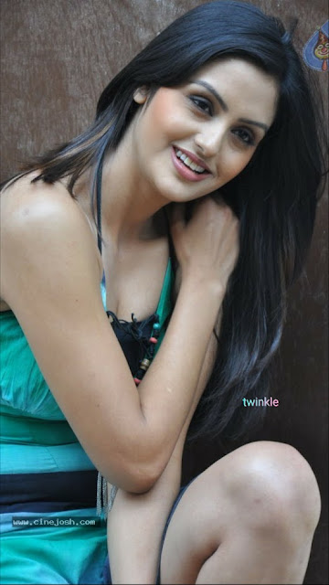 Indian female Model pics, beautiful indian model pics