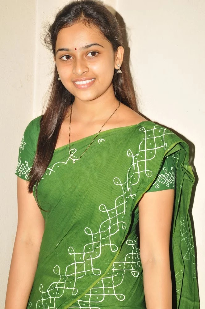 Actress Sree Divya Saree Photos 17 - Actress Sri Divya's Hot & Spicy Images In Saree|Top 25-Spicy Photos|decide to go NO Glamour in Her Movies