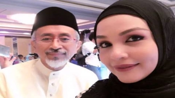 Penyanyi,Noryn Aziz Menerima Tuntutan Nusyuz Dari Suaminya Datuk Raja Kamarul Bahrin…