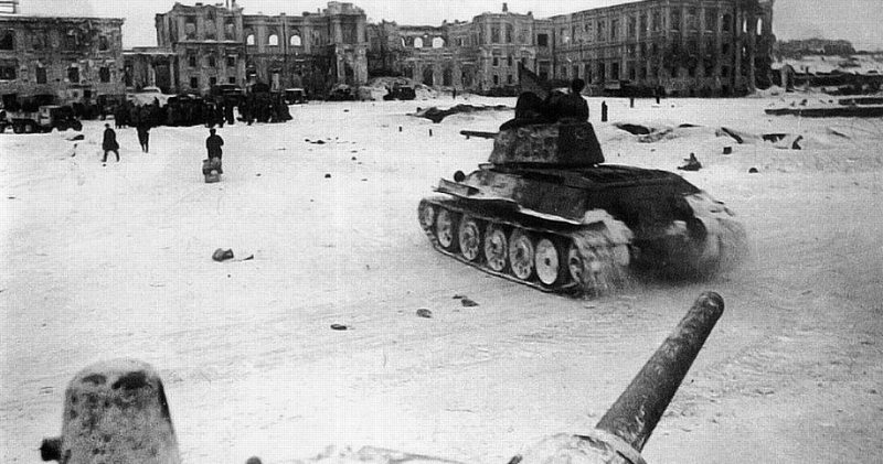 Horrors of War: 35 Incredible Photos That Show the Brutal Reality of 'the Battle of Stalingrad', 1942-43