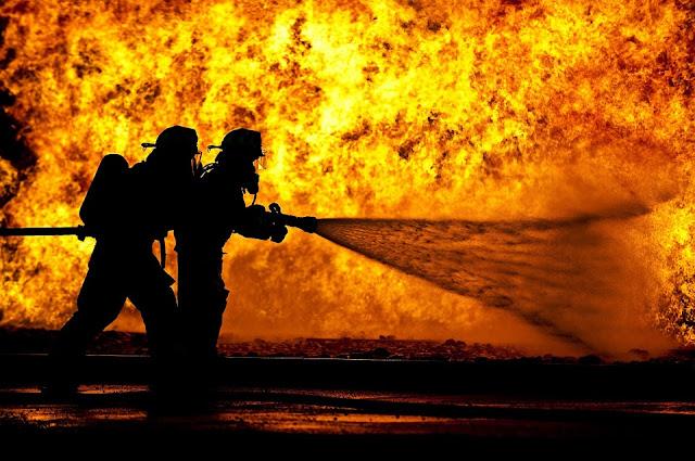 Είμαστε όλοι πυροσβέστες!