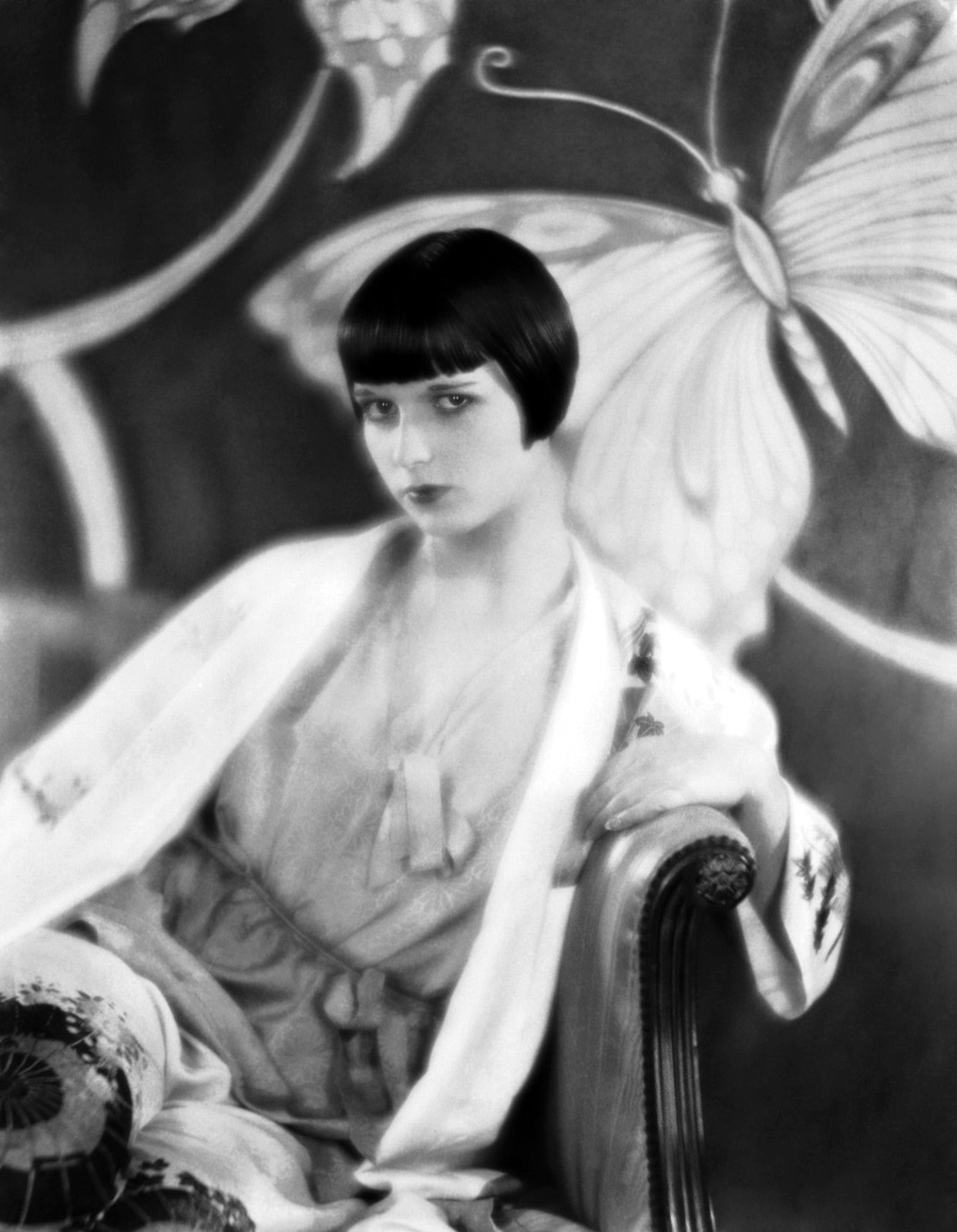 4 Door Corvette >> The Girl With the Bob – 27 Stunning Portraits of Louise Brooks in the 1920s ~ vintage everyday