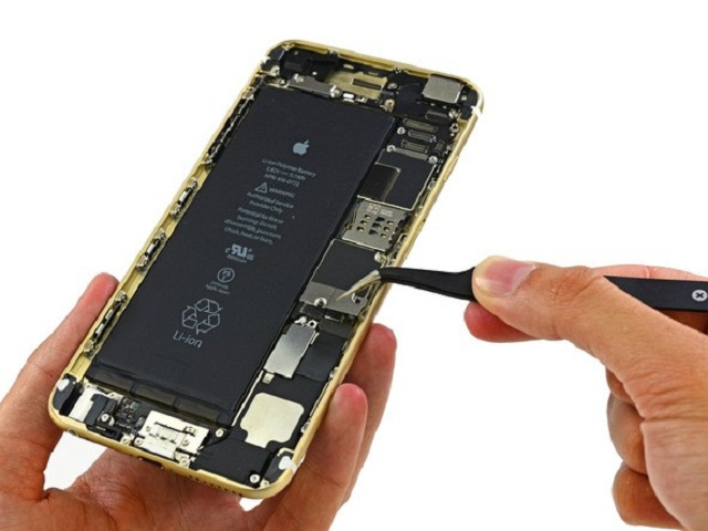 thay pin iphone 6 plus lay ngay 1