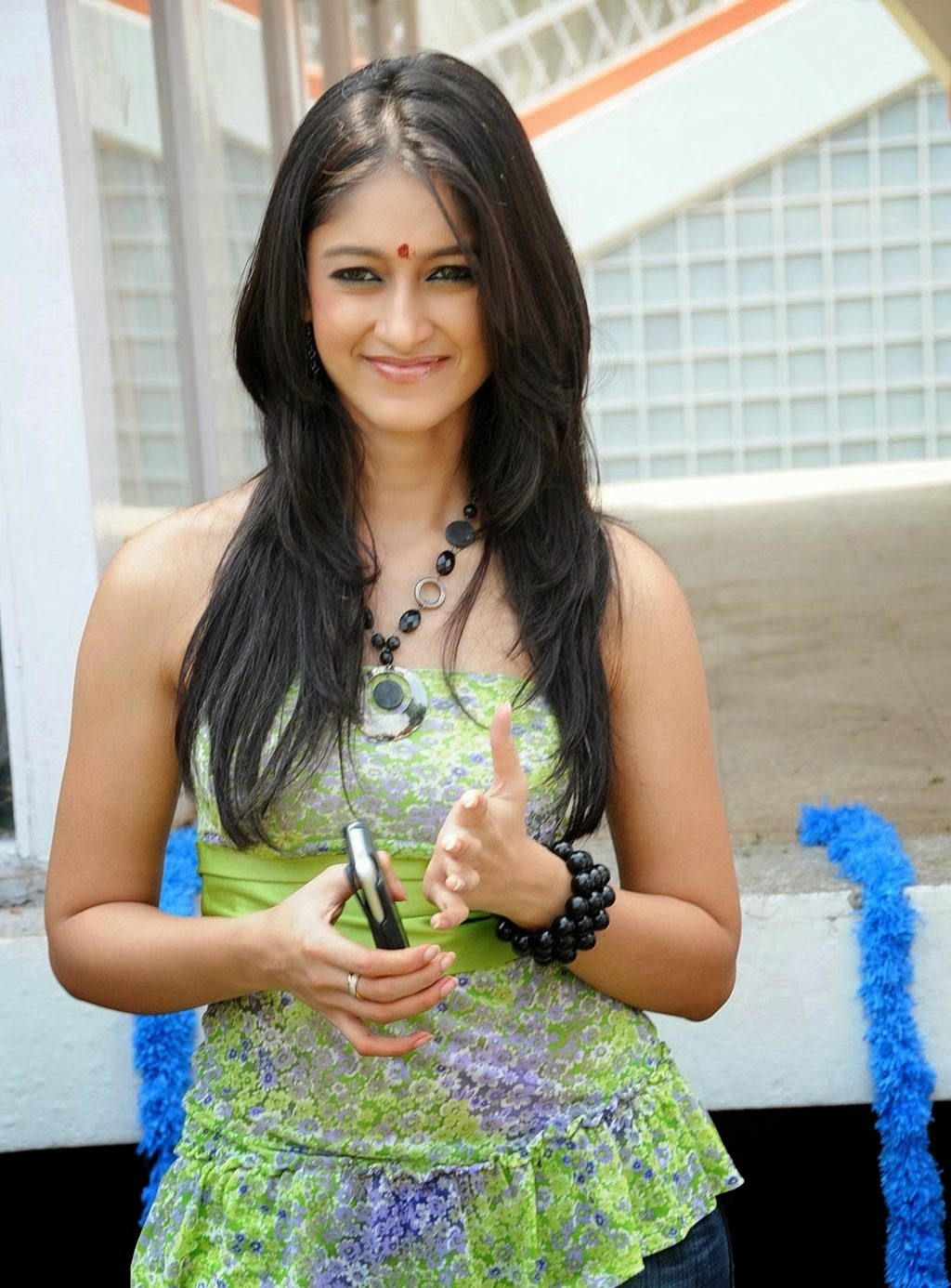 Ileana DCruz Exposes Ample Bust in Strapless Short Gown