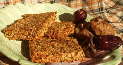 Batoane de semințe și nuci (Raw Granola Bars)