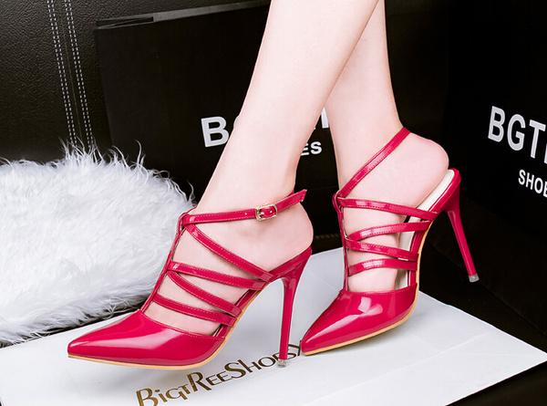 """10 mẫu giày cao gót khiến phái đẹp """"điên đảo"""" trong mùa hè"""