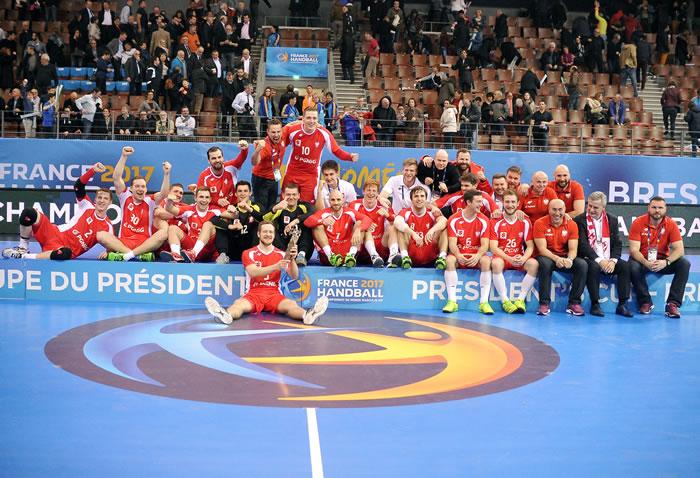 Polonia gana copa presidente 2017