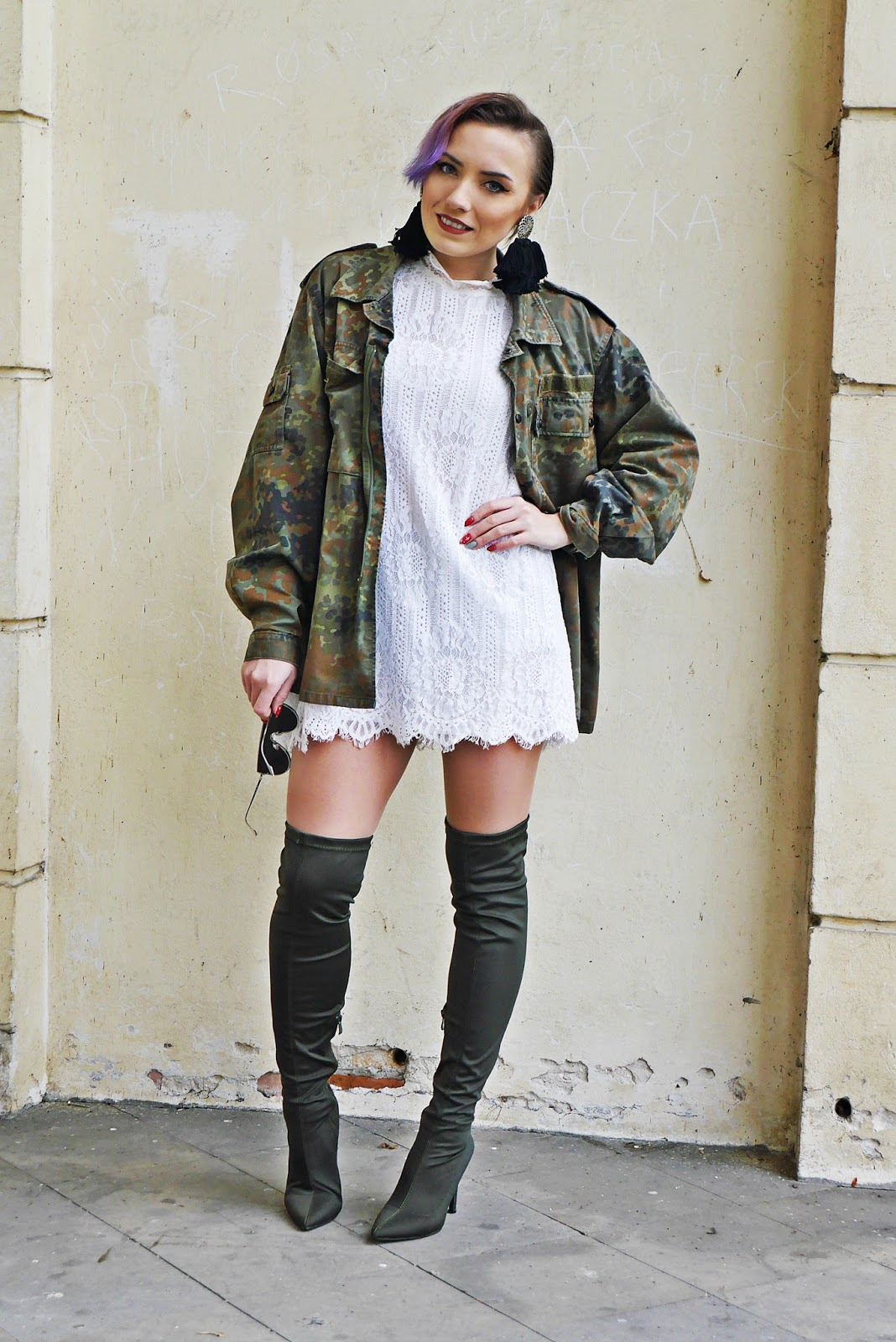 1_moro_jacket_military_white_lace_dress_karyn_blog_modowy_renee_031217