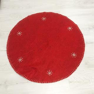 before repairing tuning Christmas Tree carpet