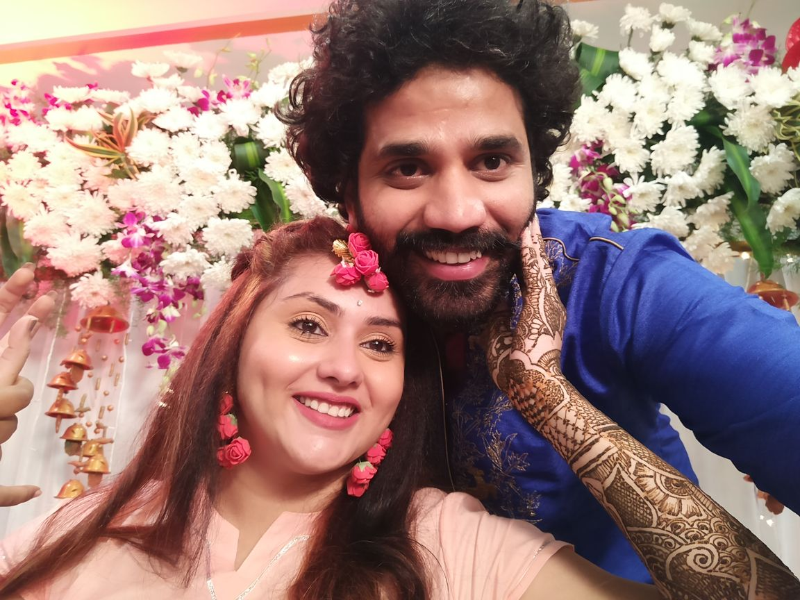 Bigg boss fame actor namitha veer wedding photos tamilcinechips bigg boss fame actor namitha ties the knot with model and producer veerandra in tirupati altavistaventures Image collections