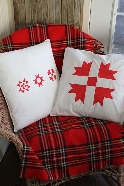 Simple Christmas pillow project- Itsy Bits And Pieces