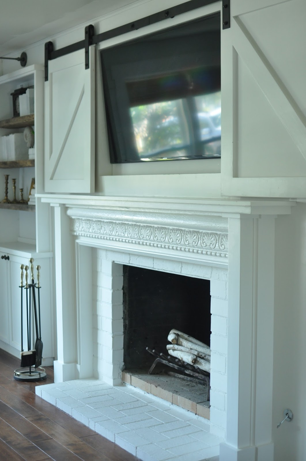 Gwen Moss My DIY CottageStyle Fireplace Mantel Reveal