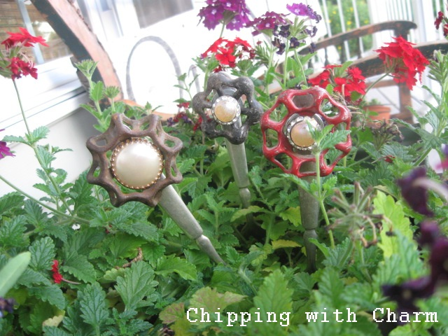 Chipping with Charm: Faucet Knob Fork Flowers...http://chippingwithcharm.blogspot.com/