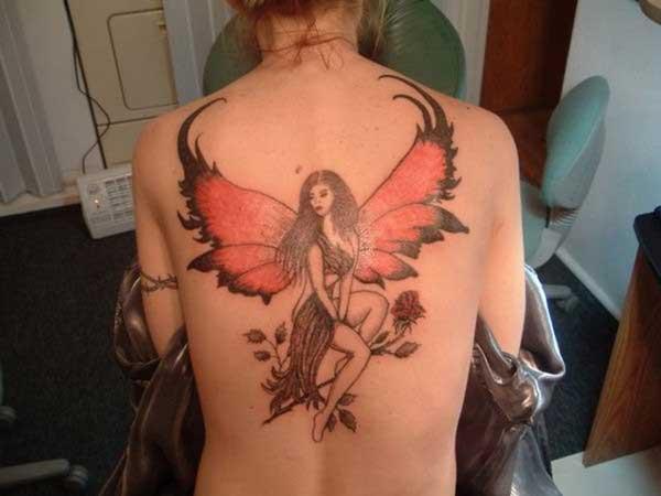 sırt dövmesi büyük melek figürü
