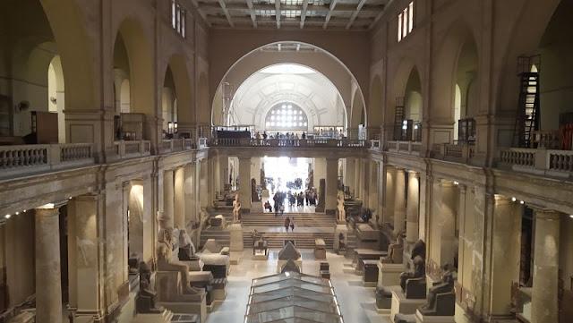 sala principale del museo egizio del cairo