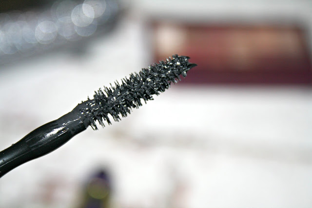 Maybelline Colossal Big Shot Mascara Wand