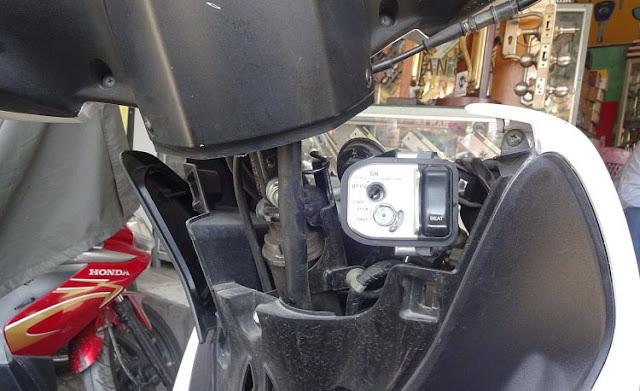 Sửa ổ khóa xe máy khó mở