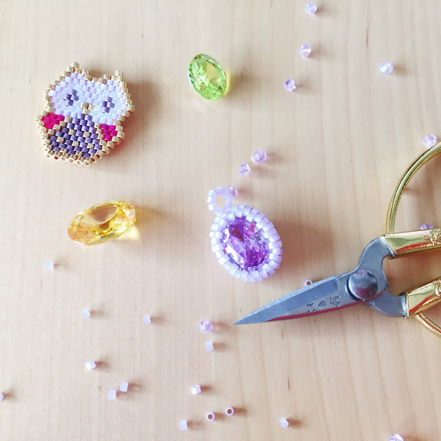 gem stone bezel with seed beads