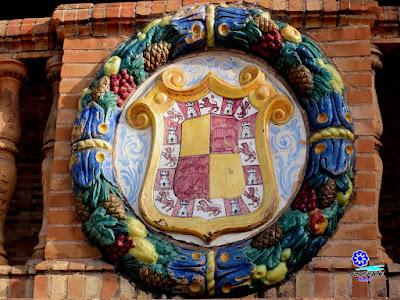 Sevilla - Plaza de España - Banco-azulejo de Jaén - Escudo de Jaén