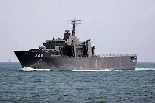 Kapal Perang AL Singapura RSS Persitence (209)