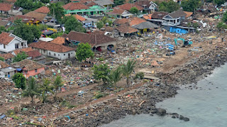 Indonesia's eastern province of West Papua has been rocked with  causing nervous residents to flee their houses in fear  days after the tsunami that killed hundreds people in archipelago.
