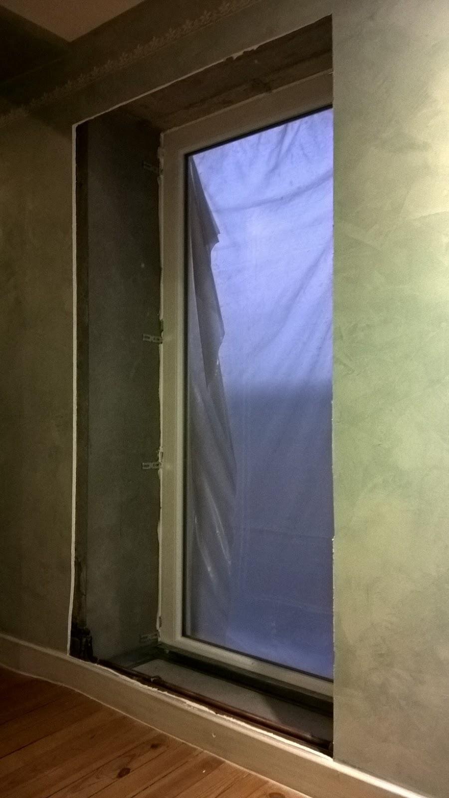 B t s r alisation caisson contour fen tre placo sur for Joint metallique fenetre