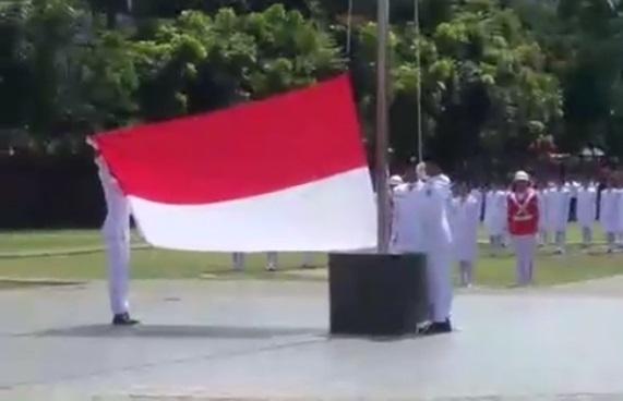 Paskibra HUT RI ke 72 ini Terharu dan Bahagia Bisa Menaikkan Bendera Merah Putih di Langit Biru