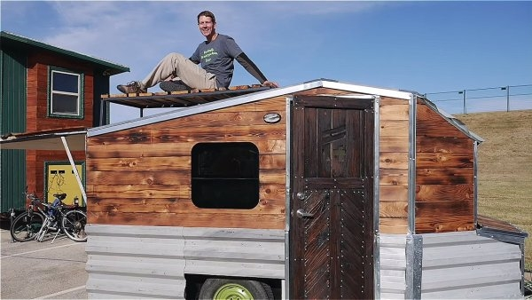 08-Roof-Deck-Area-Terraform-Tiny-House-on-Wheels-Sustainable-Architecture-www-designstack-co