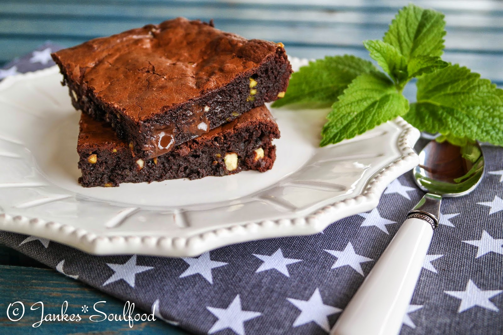 Triple Chocolate Chip Brownies - Jankes*Soulfood