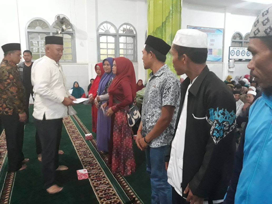 Mukhlis Berpamitan Dengan Warga Tujuh Kecamatan
