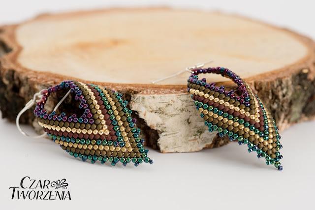 kolczyki ręcznie wykonane zielone fioletowe paseczki