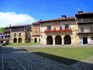 Plaza del Ayuntamiento de Santillana del Mar