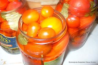 помидоры залили водой