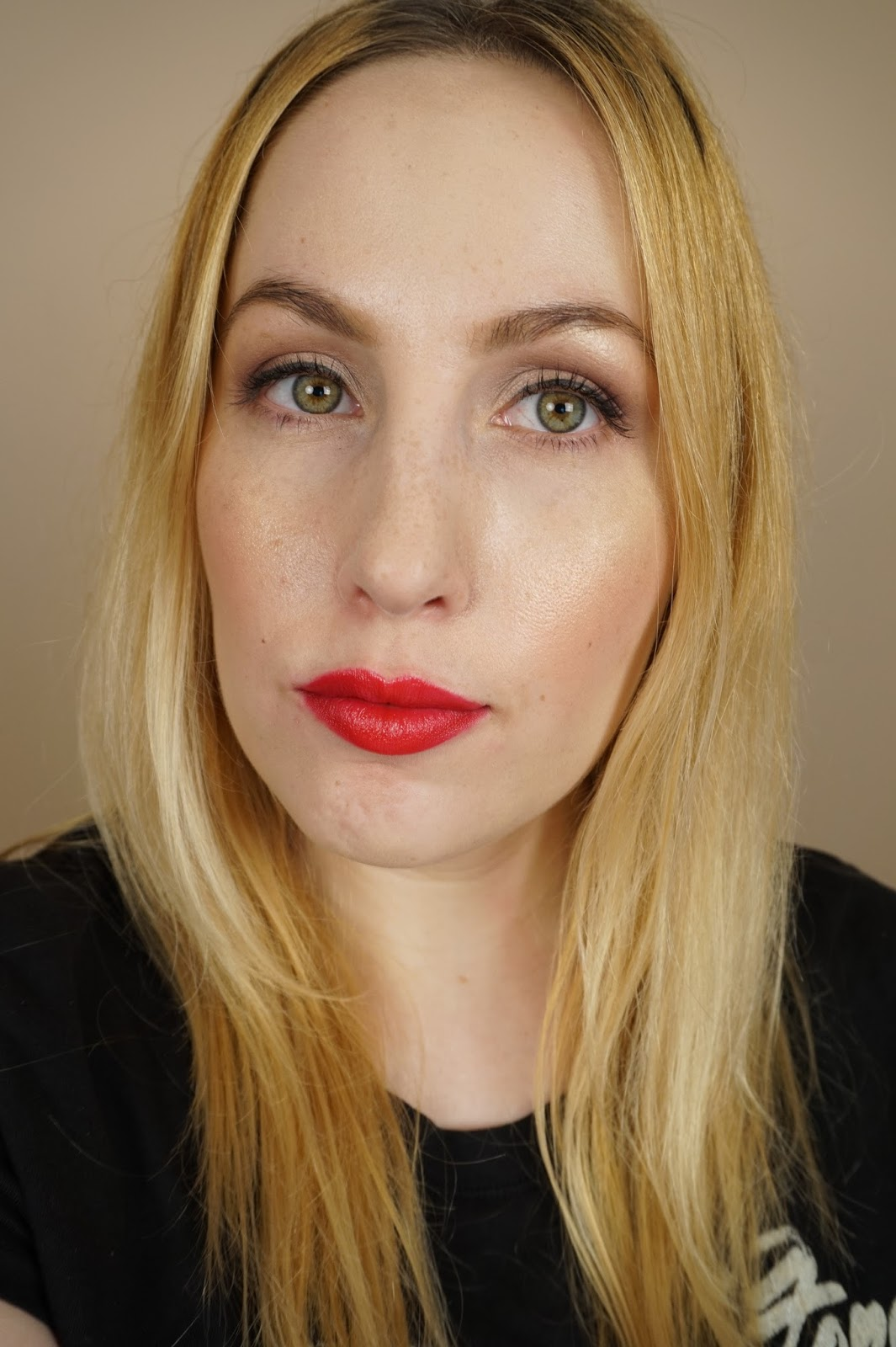 too faced melted ruby review swatch face