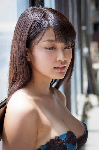 Mari Yamachi 山地まり Sexy Lingerie Images 15