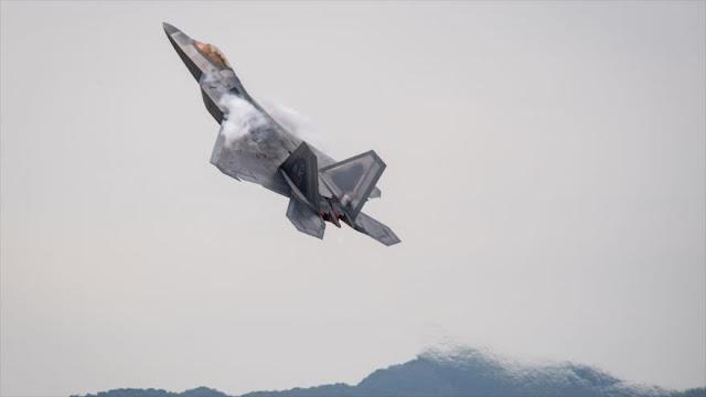 F-22 de EEUU obstaculiza operación de los Su-25 rusos contra Daesh
