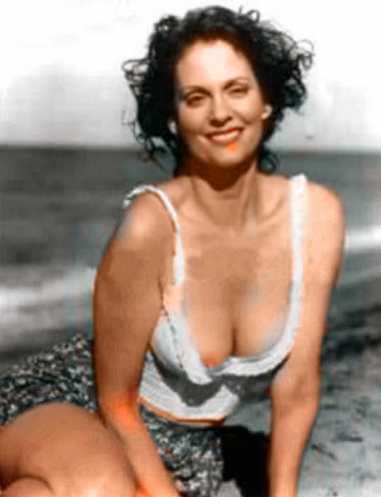 LESLEY ANN WARREN Nude - AZNude