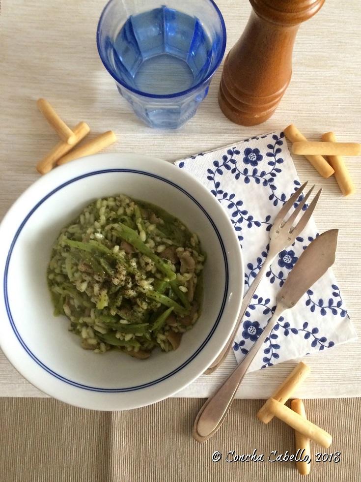 risotto-setas-espinacas-judías-mesa