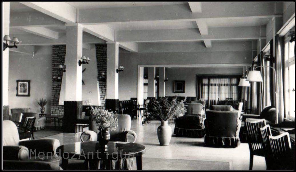 Interior del hotel de uspallata departamento de las heras for Departamento del interior