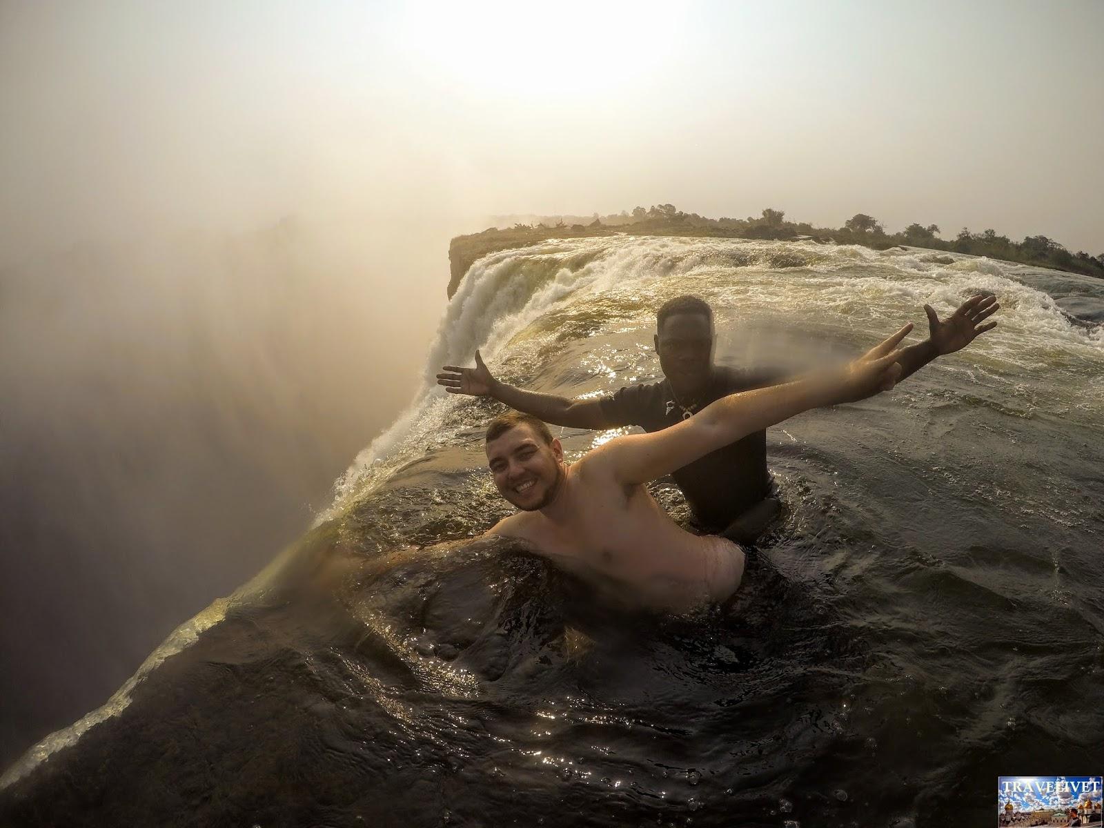 Victoria Falls les chutes Victoria Zambie piscine du diable Devil's Pool
