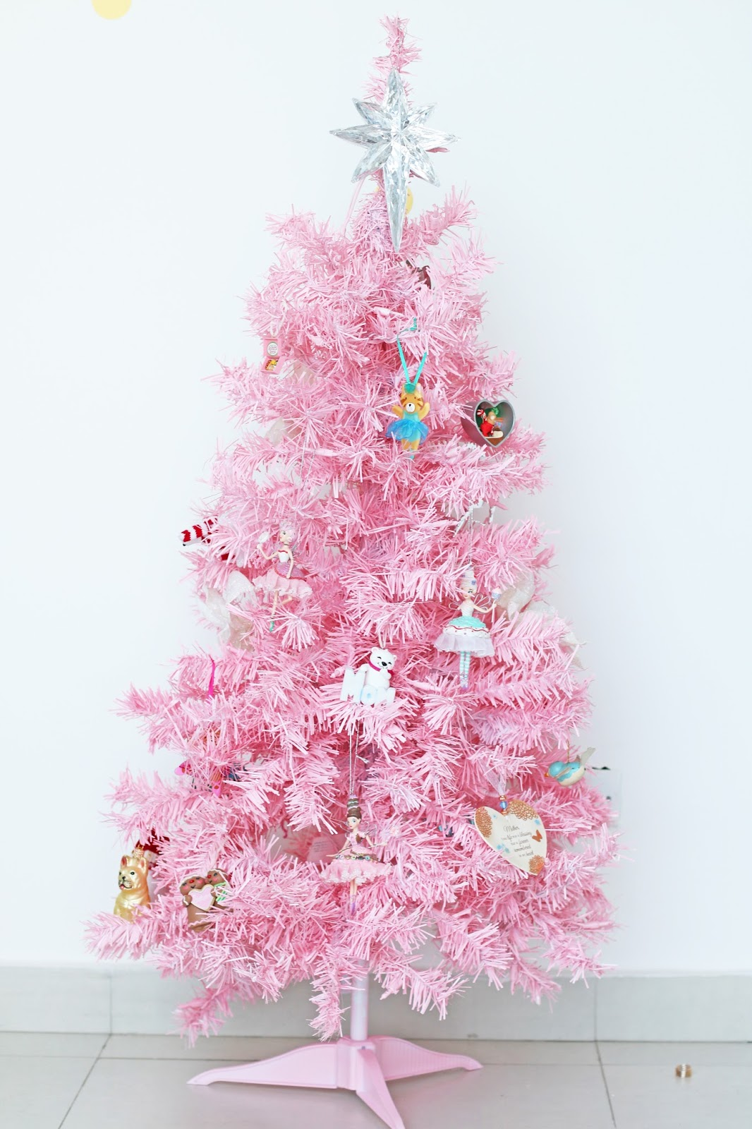 How to celebrate a Pink Christmas