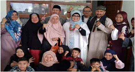 Ketua DPRD Kota Padang, Elly Thrisyanti Rekat Jembatan Hati Dengan  Masyarakat Melalui Lebaran