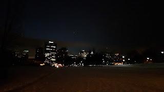 Montréal l'hiver avant le lever du soleil