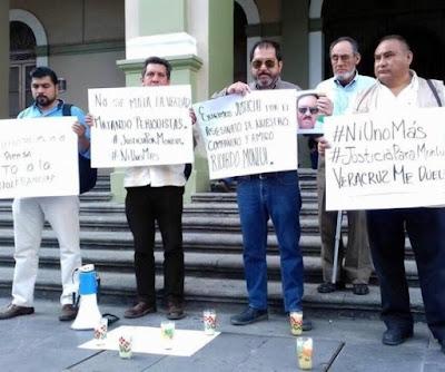 Resultado de imagen para Aproximadamente 35 periodistas de la región de Córdoba marcharon por las principales calles de la ciudad en demanda de justicia